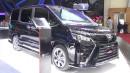 GALERI: Toyota Voxy di GIIAS 2017 (17 foto)