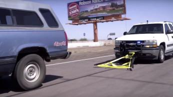 VIDEO: Ini Cara Polisi Menghentikan Penjahat yang Kabur Pakai Mobil