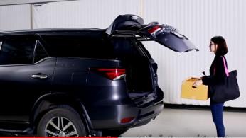 VIDEO: Toyota Fortuner Pakai Pintu Bagasi Otomatis Sebagai Aksesoris