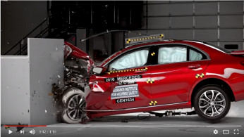 VIDEO: Crash Test Mercedes-Benz C-Class 2016