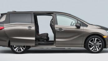 VIDEO: Honda Odyssey 2017 Pamer Fitur