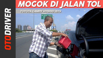 VIDEO: Tes Toyota Camry Hybrid 2019 Sampai Mogok | OtoDriver