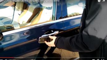 VIDEO: Mercedes-Benz Mulai Gusur Kunci Konvensional, Gantinya Adalah Ponsel