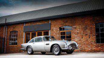 VIDEO: James Bond Kembali Gunakan Aston Martin di Film Terbaru