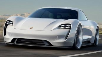 VIDEO: Vokalis Maroon 5 Melesatkan Mobil Listrik Pertama Porsche