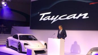 """VIDEO: Porsche Ajari Melafalkan """"Taycan"""" Dengan Benar"""