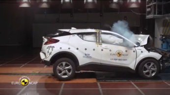 VIDEO: Crash Test Toyota C-HR 2017 (Euro NCAP)