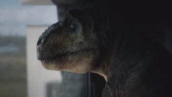 VIDEO: Audi A7 Membantu Seekor T-Rex Mengemudi