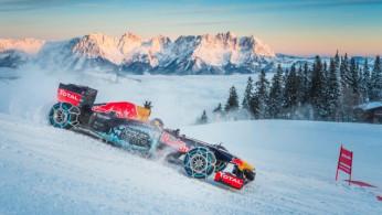 VIDEO: Ketika Mobil F1 Dipacu Di Bukit Salju