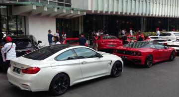 Puluhan Sportscar Konvoi Rayakan Kemerdekaan