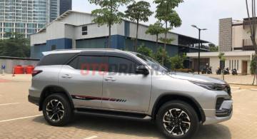 Penampakan Detil Toyota Fortuner Facelift (17 FOTO)