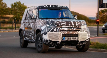Spy Shot: Land Rover Defender Model Baru Lalu-lalang di Inggris