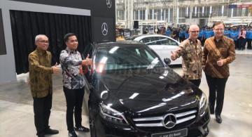 GALERI: Mercedes-Benz C200 Avantgarde Line EQ Boost (15 Foto)