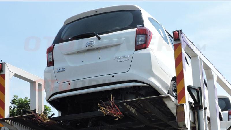 SPY SHOT Daihatsu Sigra Tipe X Tanpa Innova Di Lampu